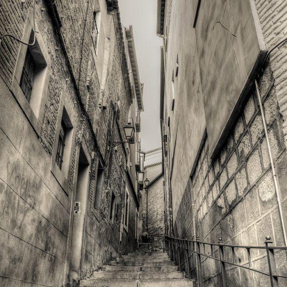 El callejón – alley
