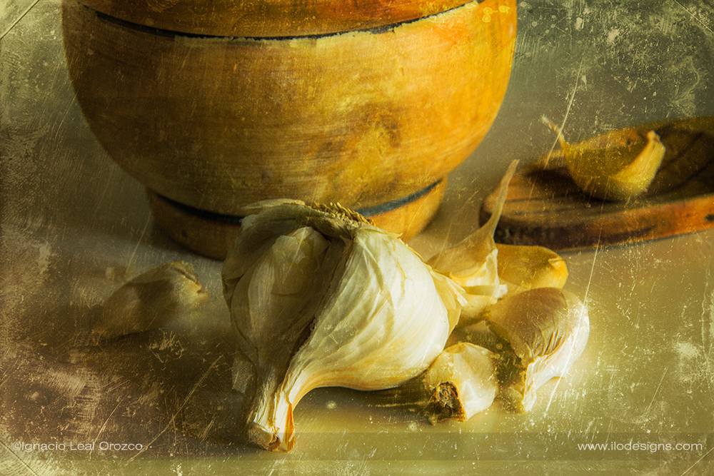 still_life_garlics